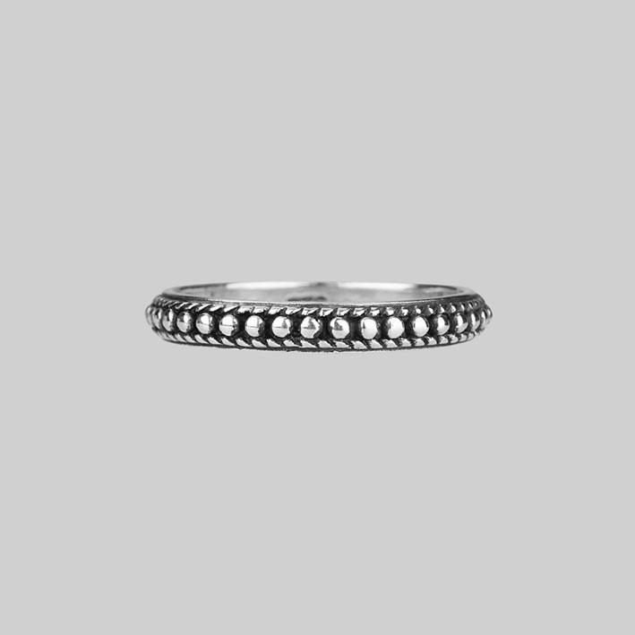 Dotted Band Silver Ring REGALROSE